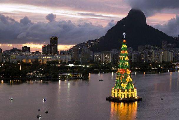 Arbol Navidad flotante Brasil