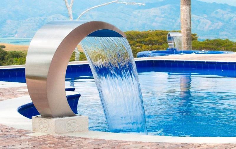 Cascada para piscina cuello de cisne
